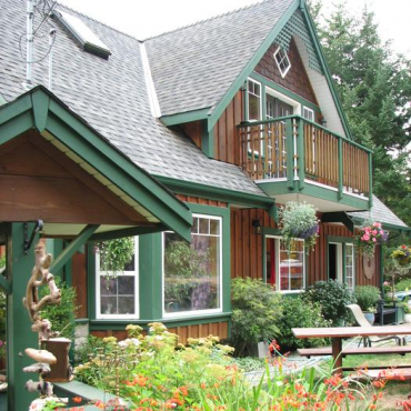 Matheson Lake Guest House, Victoria, BC